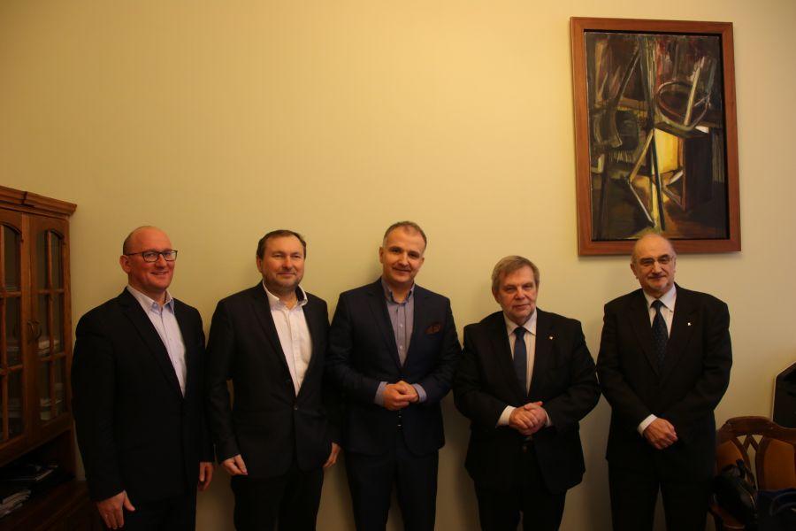 Podpisanie umowy o współpracy pomiędzy UAM a firmą Komputronik Biznes Sp. z o.o.