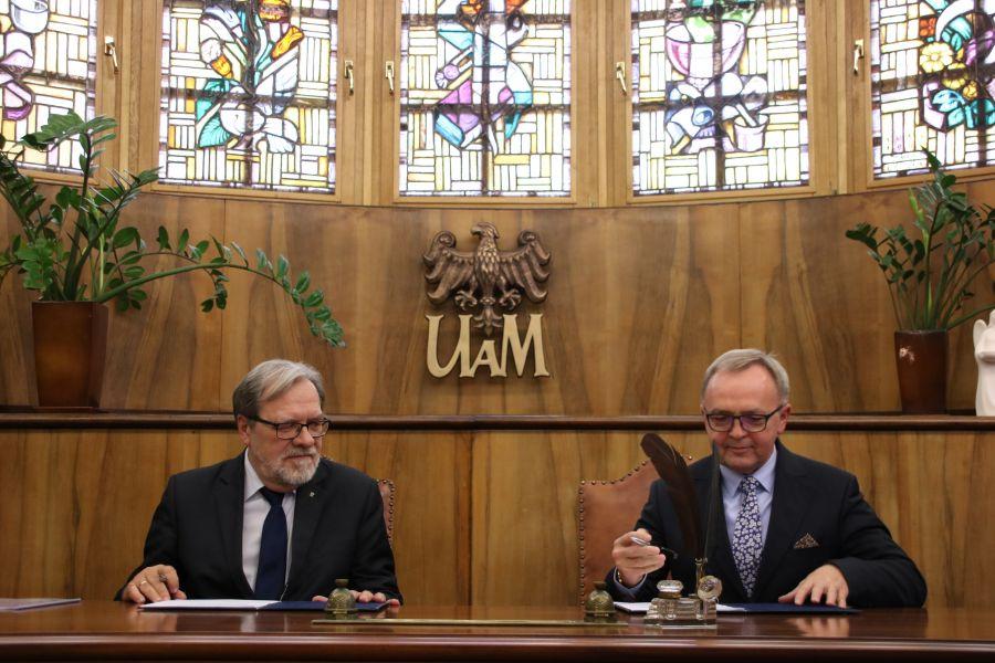 Podpisanie porozumienia w Gabinecie Rektora