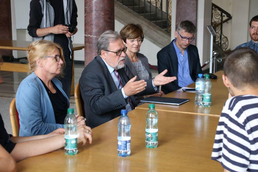 Spotkanie JM Rektora UAM prof. Andrzeja Lesickiego z osobami prowadzącymi strajk okupacyjny