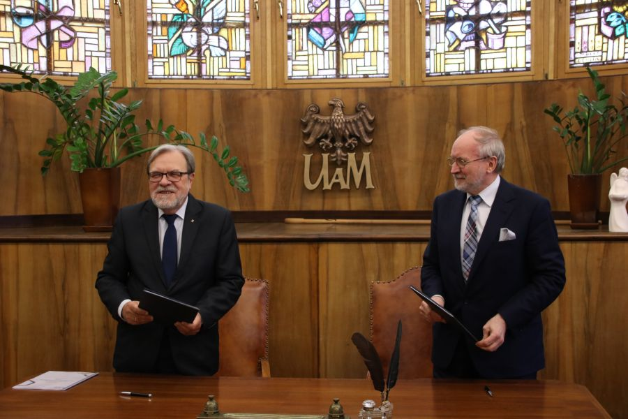 JM Rektor UAM, prof. Andrzej Lesicki oraz Prezes Zarządu Fundacji UAM prof. Jacek Guliński podpisali porozumienie o współpracy