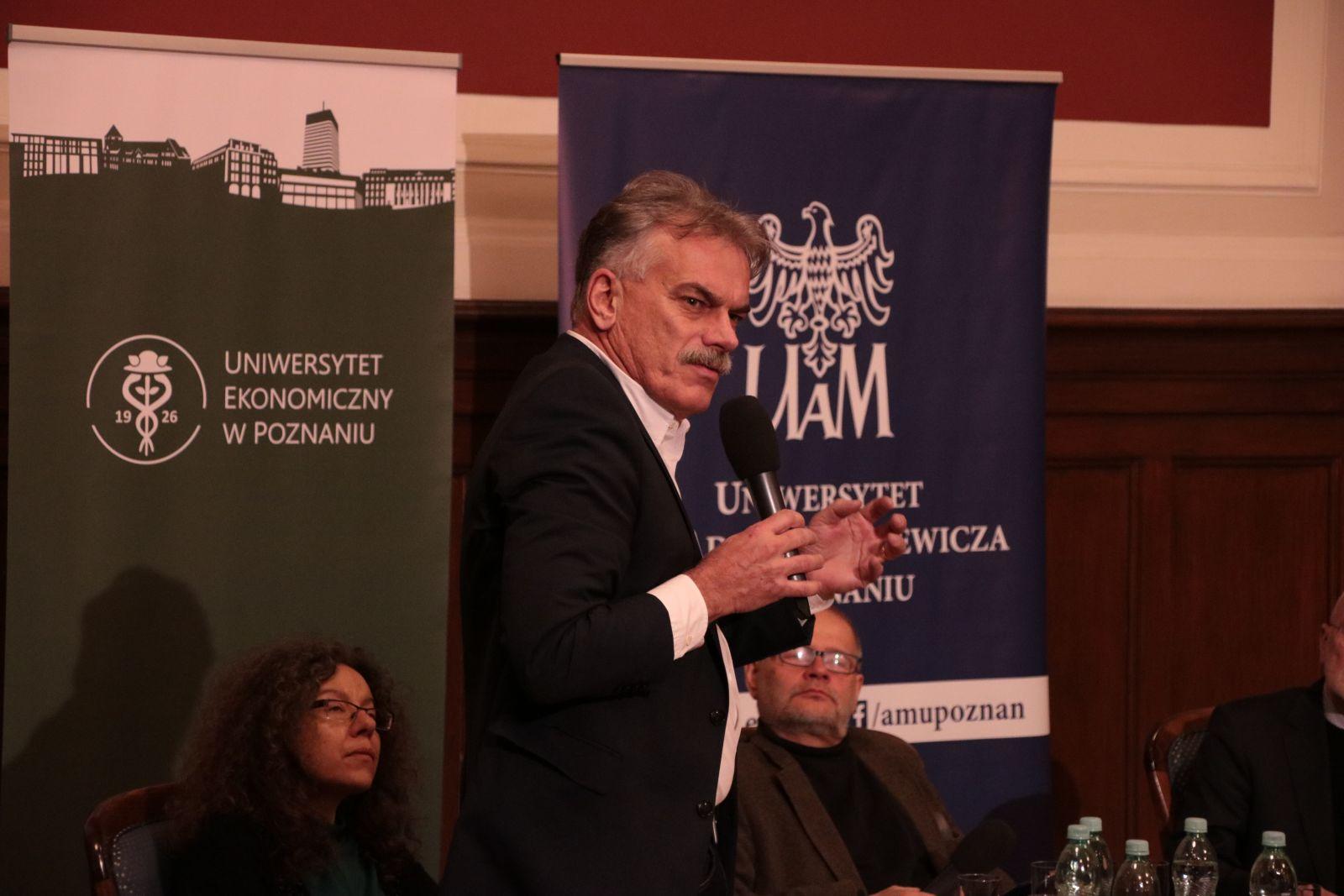 prof. dr hab. Przemysław Deszczyński