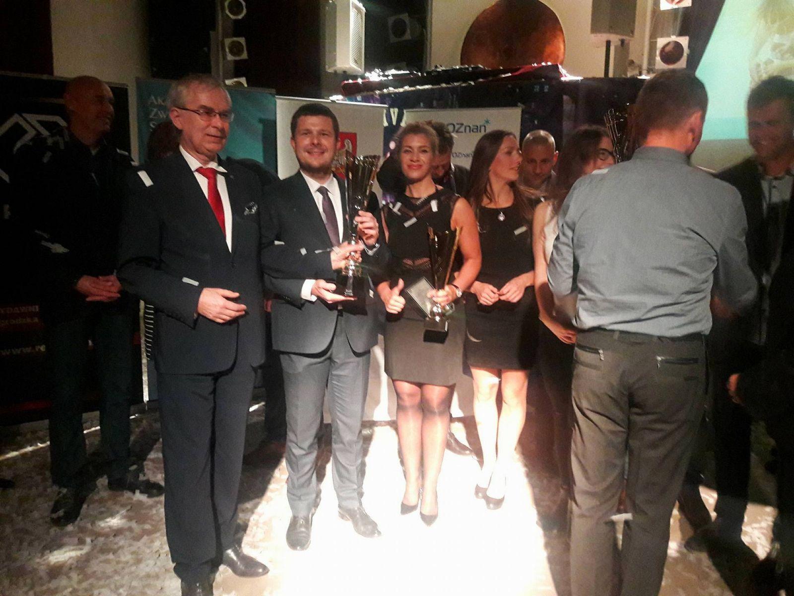 Nagroda dla UAM za zajęcie I miejsca w klasyfikacji generalnej