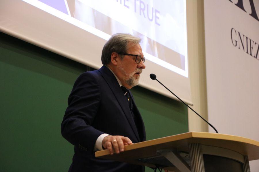 JM Rektor prof. UAM dr hab. Andrzej Lesicki