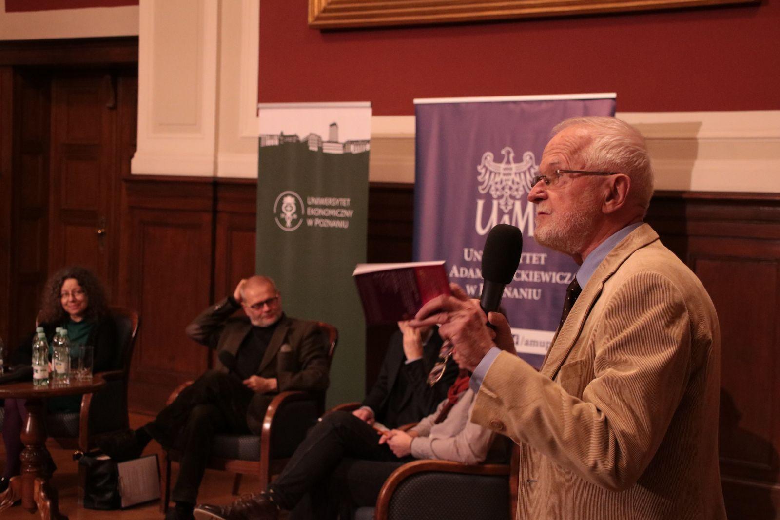 Dyskusja podczas VII debaty Akademickiej