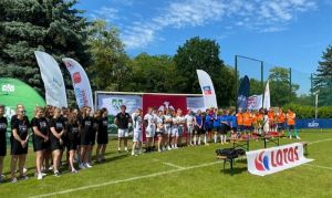 Srebrne medalistki w piłce nożnej i najlepsza bramkarka z UAM