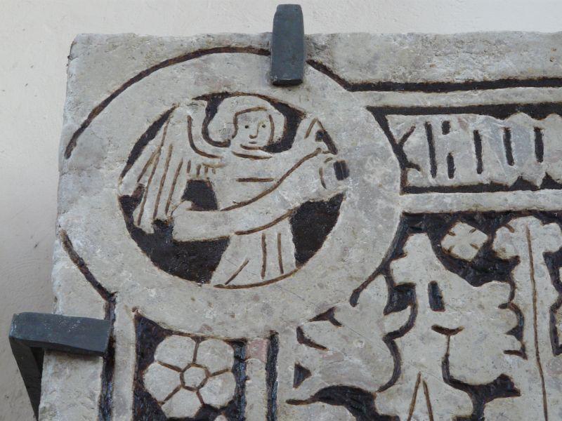 Średniowieczna płyta nagrobna małżeństwa Rabenstorpów po konserwacji