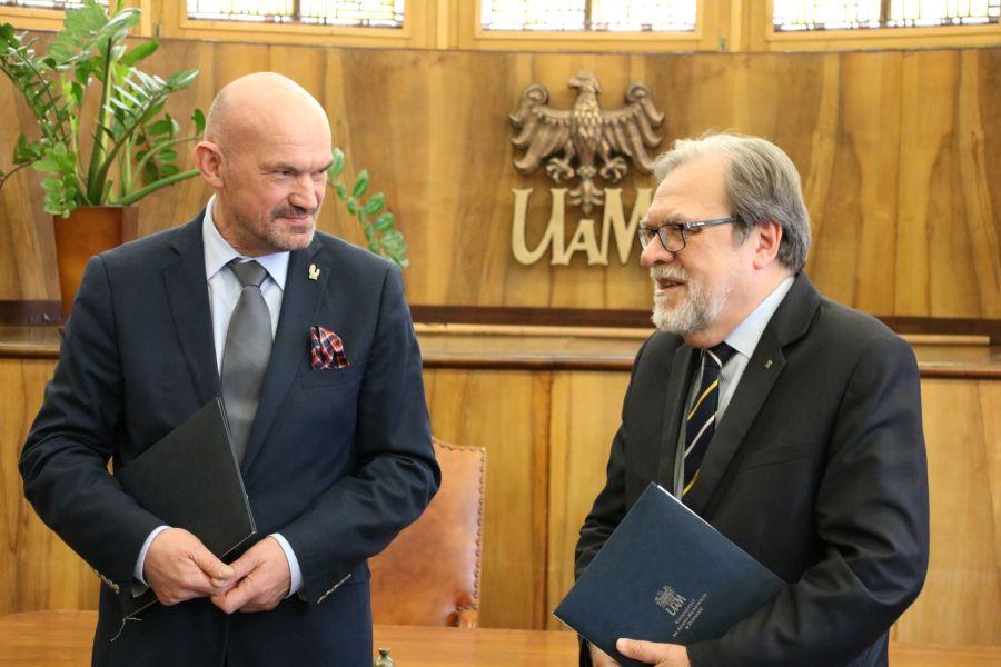 Rektor PWSZ w Pile prof. Donat Mierzejewski i Rektor UAM prof. dr hab. Andrzej Lesicki