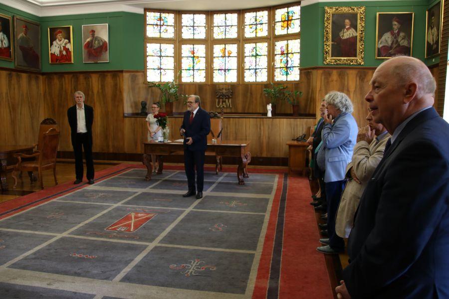 Uroczystość wręczenia medalu Homini Vere Academico prof. Markowi Hendrykowskiemu
