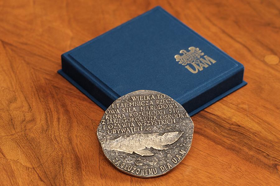 Medal za zasług dla UAM rewers