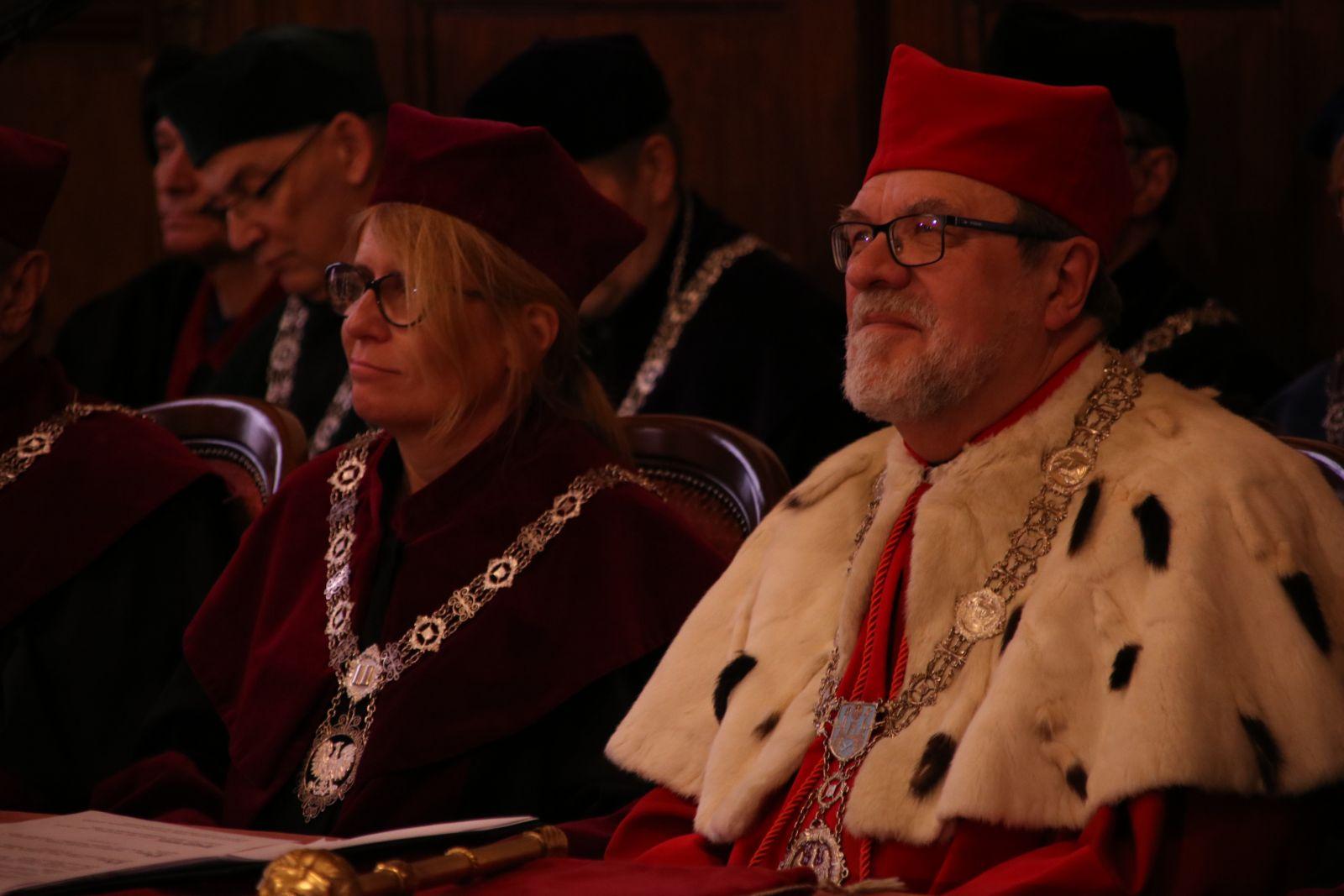 Zdjęcie - JMR prof. UAM dr hab. Andrzej Lesicki  i prorektor ds. studenckich  prof. dr hab. Bogumiła Kaniewska