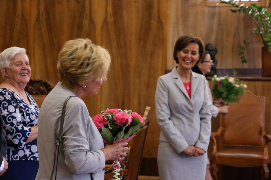 Pani Małgorzata Dembska odbiera gratulacje