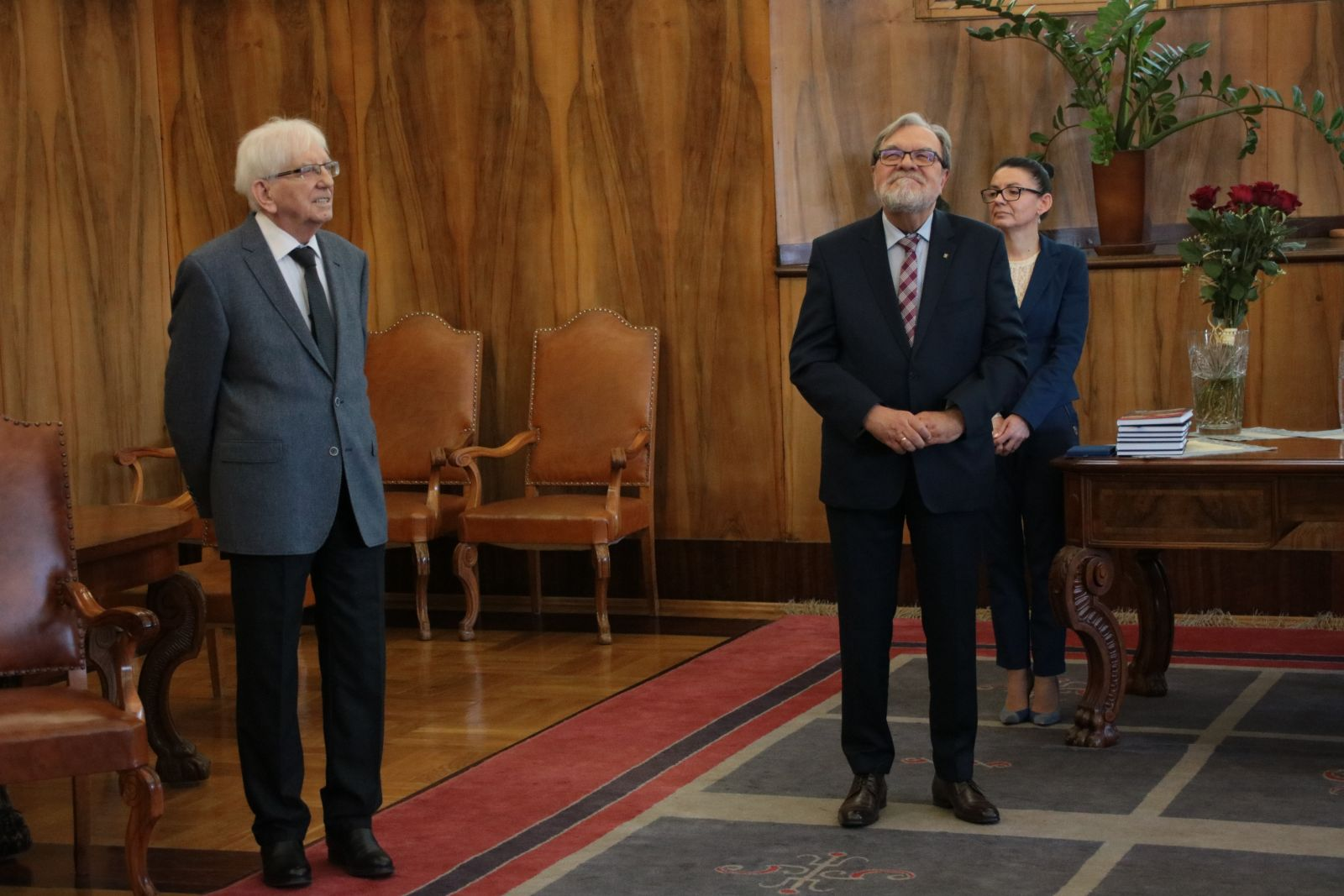 Zdjęcie  - Rektor UAM i laureat medalu Homini Vere Academico