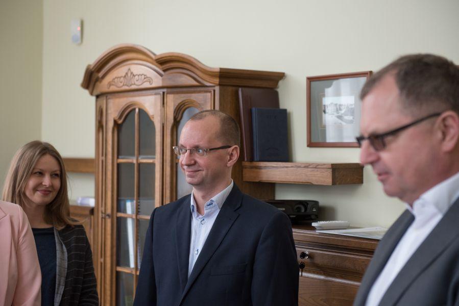 Przedstawiciele firmy Mobica, z którą UAM podpisał umowę o współpracy