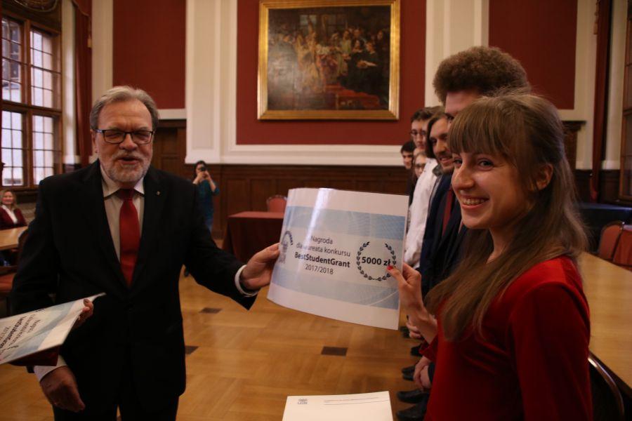 Zwycięzcy konkursu BESTStudentGRANT otrzymali 5000 zł na realizację swojego pierwszego projektu badawczego