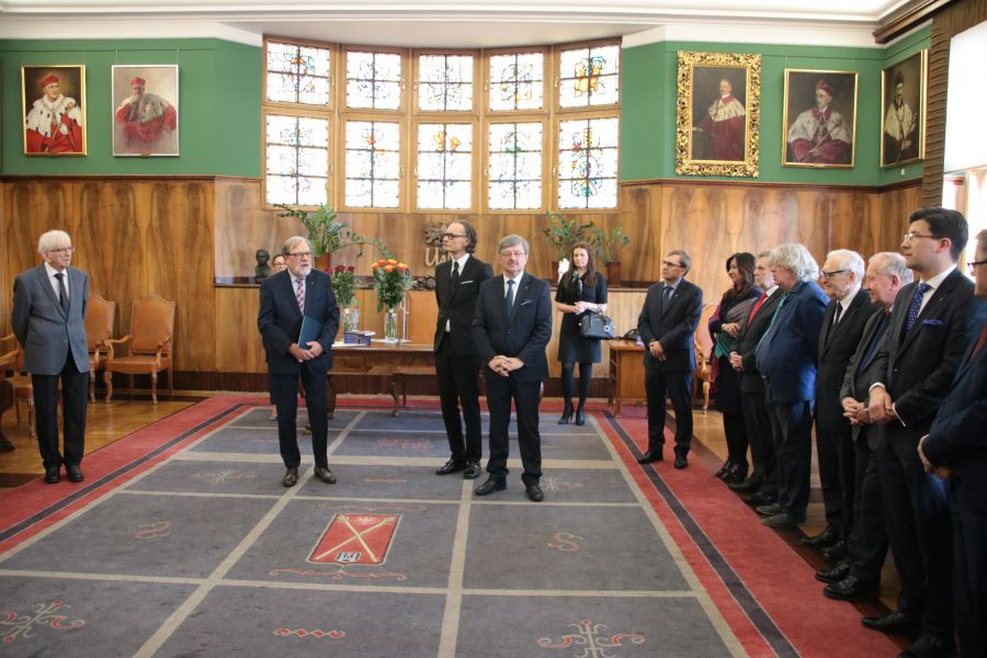 Uroczystość wręczenia medalu Homini Vere Academico profesorowi Henrykowi Olszewskiemu