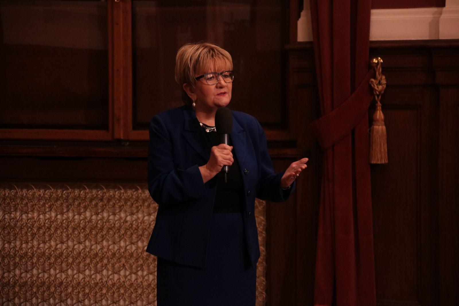 Alicja Kobus, wiceprzewodniczącą Związku Gmin Wyznaniowych Żydowskich w RP i przewodniczącą Gminy Żydowskiej w Poznaniu
