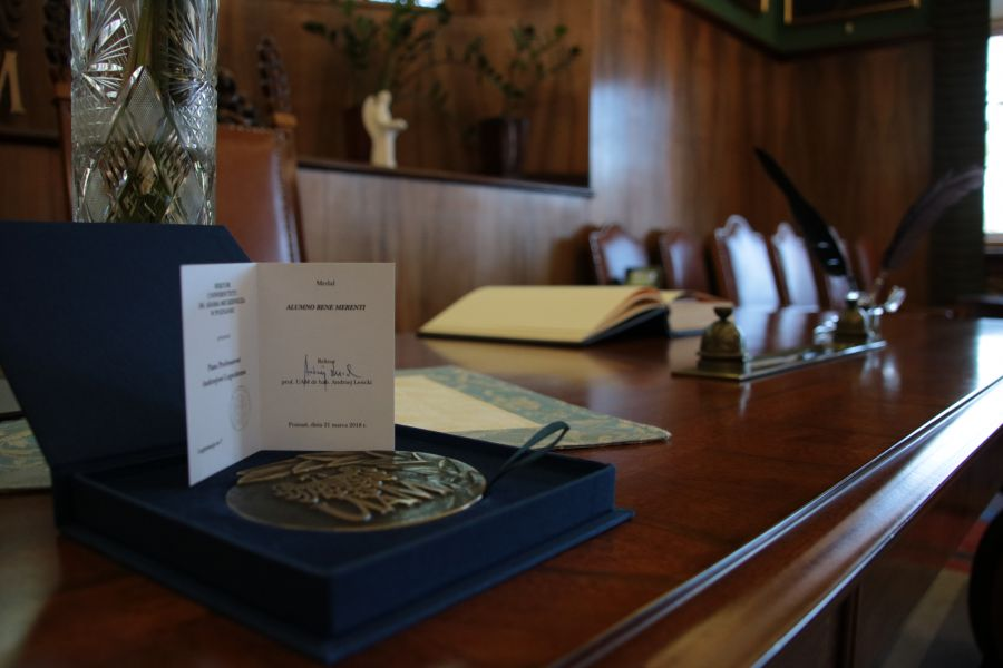 Medal Alumno Bene Merenti