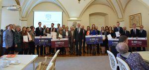 Miasto Poznań nagradza najlepszych magistrów i doktorów UAM