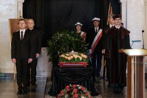 Społeczność akademicka pożegnała byłego Rektora UAM, prof. Jacka Fisiaka