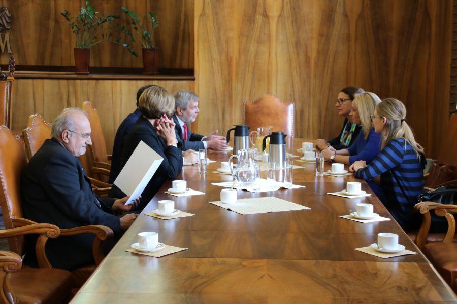 Spotkanie w sprawie umowy