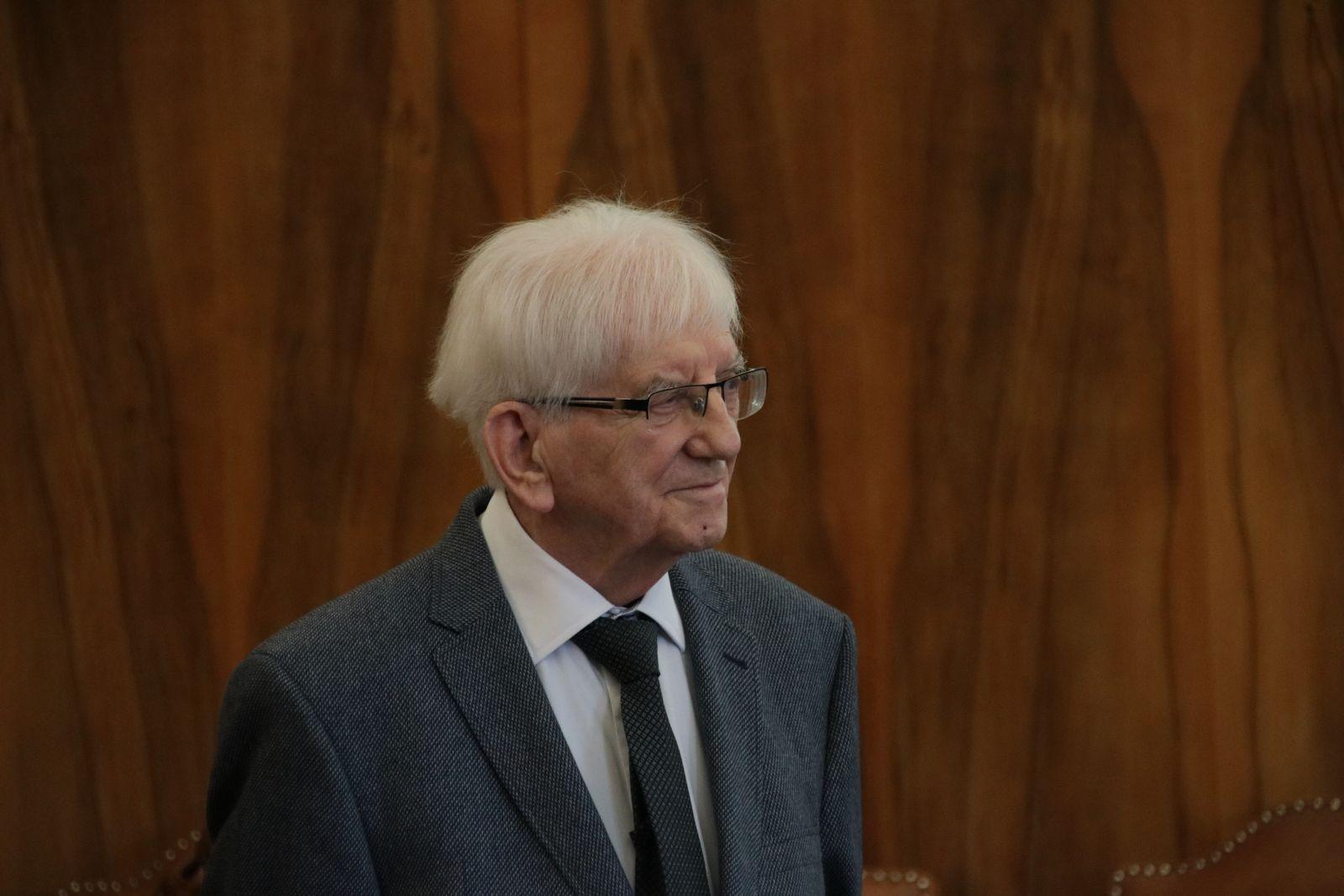 Profesor Henryk Olszewski