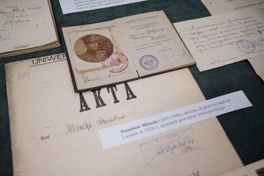 dokumenty prezentowane na wystawie