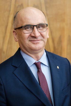 prof. dr hab. Michał Banaszak