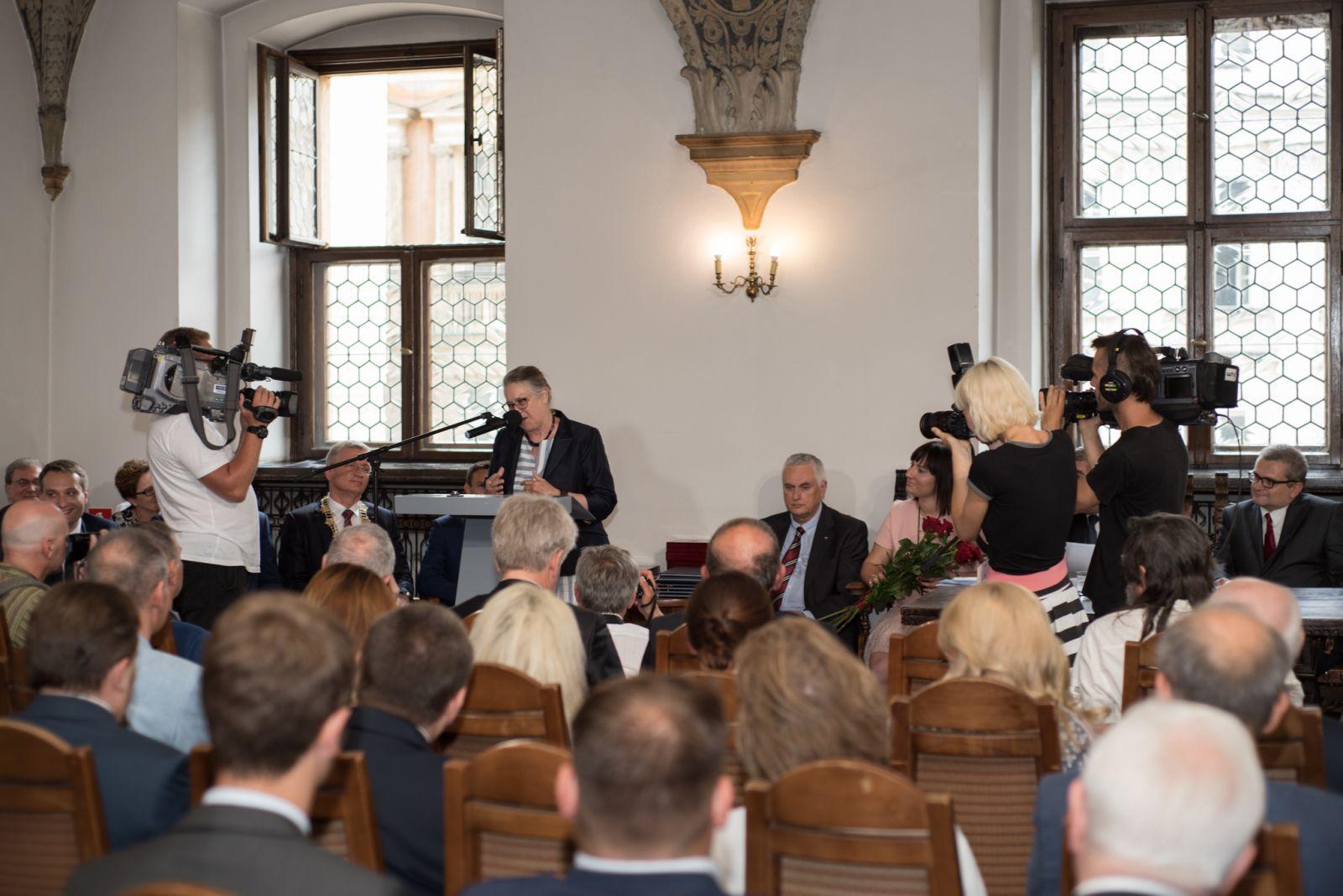 Zdjęcie - przemówienie prof. Hanny Kóčka-Krenz