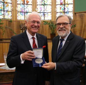 Medal Homini Vere Academico dla prof. Stefana Jurgi