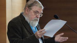 Prof. Brzeziński – Odrzucam kulturę korporacyjną