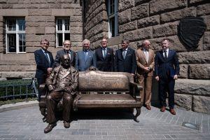 Czwarty założyciel Wszechnicy Piastowskiej zasiadł na ławeczce