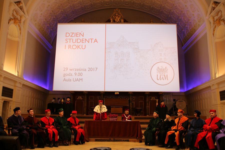 Zdjęcie - przemówienie Rektora