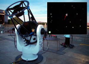 Obserwacje rozgrzanego kokona materii wokół wybuchającej gwiazdy supernowej