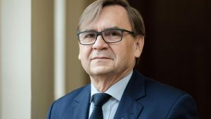 Prof. Naskręcki - Jeden UAM, cztery szkoły