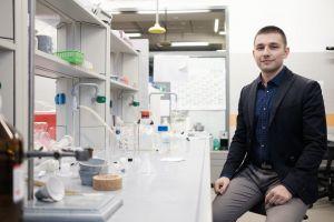 Dr Adam Gorczyński z publikacją w Chemical Science