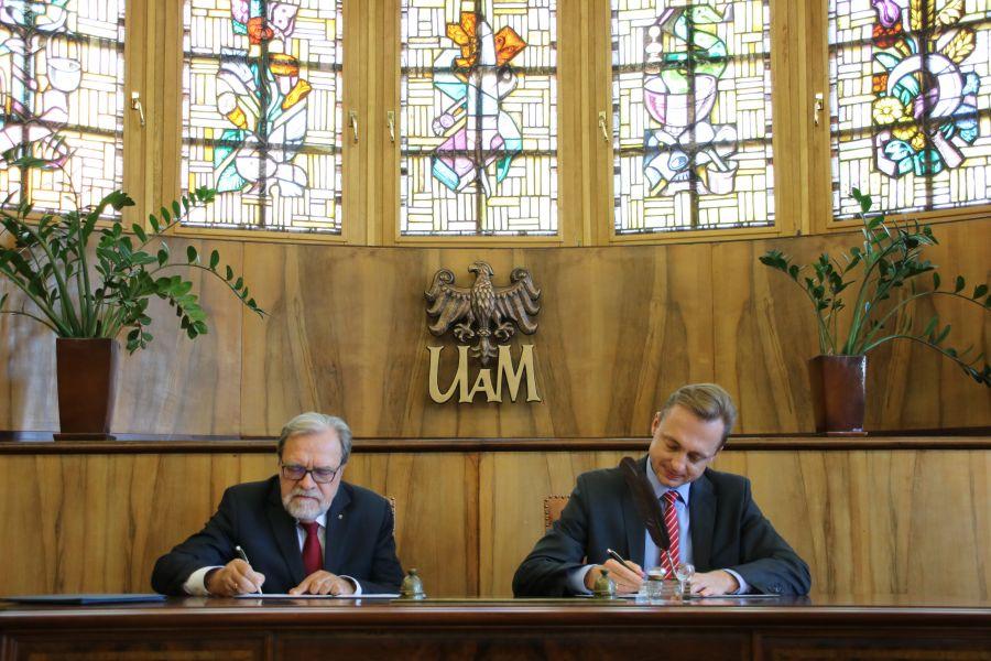 Uroczyste podpisanie umowy o współpracy pomiędzy Uniwersytetem im. Adama Mickiewicza w Poznaniu a Zakładem Ubezpieczeń Społecznych