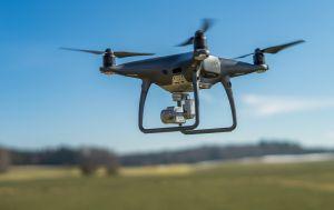 Drony nad polami zbadają uprawy