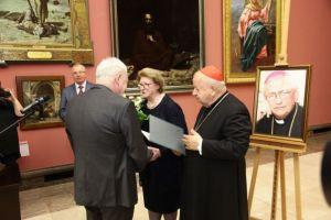 Prof. Hanna Suchocka z nagrodą biskupa Pieronka
