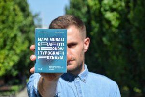 Tomasz Bombrych z UAM w pogoni za zmienną sztuką uliczną