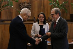 Prof. Wojciech Nawrocik uhonorowany medalem Homini Vere Academico