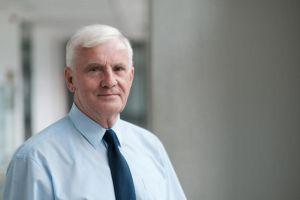 Prof. Jerzy J. Langer. Detektor czulszy od psiego nosa