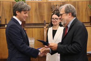 Prof. Dariusz Gwiazdowicz oznaczony medalem za zasługi dla Uniwersytetu im. Adama Mickiewicza w Poznaniu